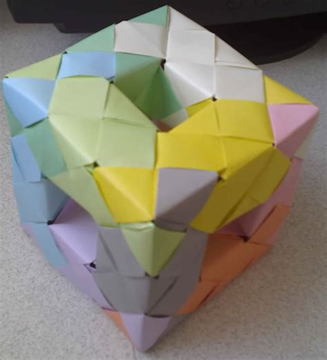 Origami Unit - origami units using sonobe units to create a menger