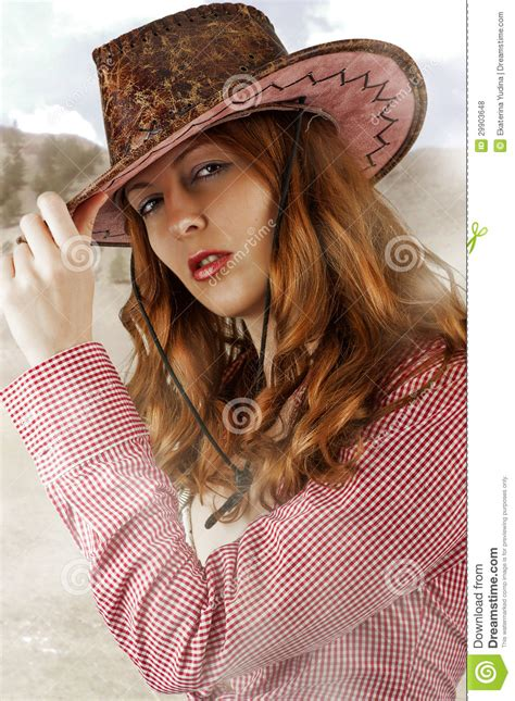 Amalia Hernã Ndez Also Search For Image Wearing Cowboy Hats