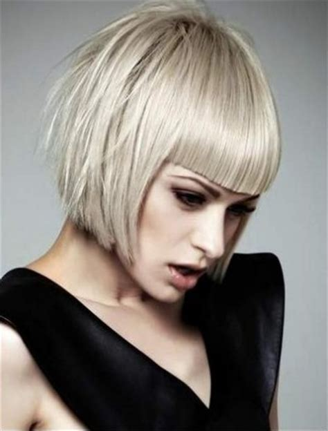 blunt chin length bob 5 fabulous hairstyles for oblong faces visual makeover
