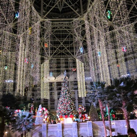 christmas lights display gaylord grapevine texas