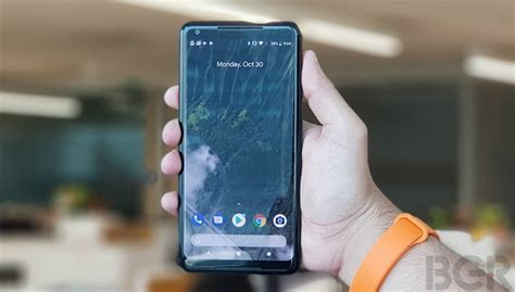 google pixel 2 and pixel 2 xl hands on act two looks great valentine s day 2018 offer google pixel 2 pixel 2 xl to