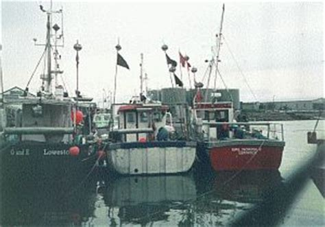 boat transport lowestoft lowestofts harbour fishing and supply boats
