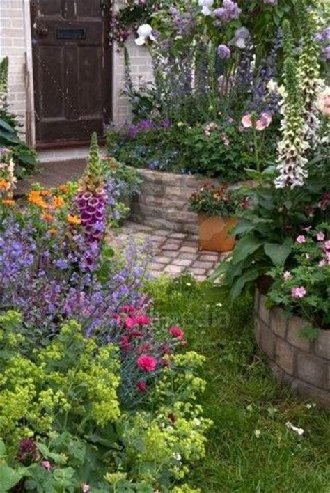 ideas  flower beds  pinterest raised beds