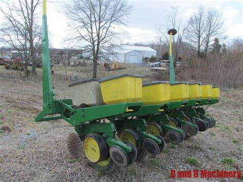 John Deere 7000 Corn Planter 6 Row No Till Deere 7000 Planter