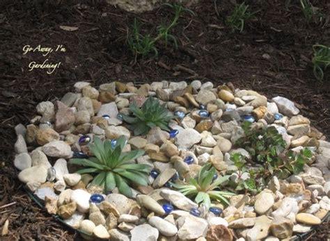 Mini Rock Garden A S Around The Yukka Plants Garden Ideas Pinterest