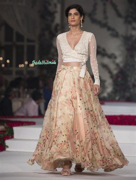 Maxi Maharanibelt best of india couture week 2015 floral georgette pleated