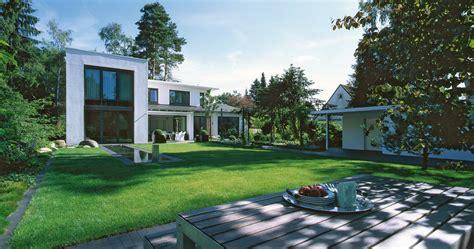 Gartenbeet Modern by Minimalistische Gartendesigns