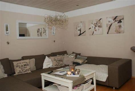 farbauswahl wohnzimmer wohnzimmer einrichten lila schokoladenbraun wandfarbe
