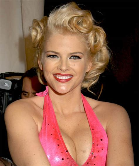 nicole s cute beauty anna nicole smith s daughter looking adorable