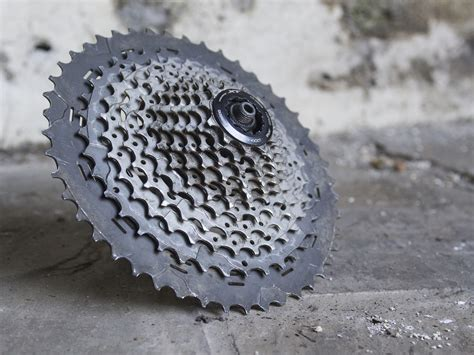 11 speed shimano cassette singletrack magazine review shimano deore xt 11 speed