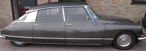 classic citroen trade classics 187 the citroen ds a top ten classic car