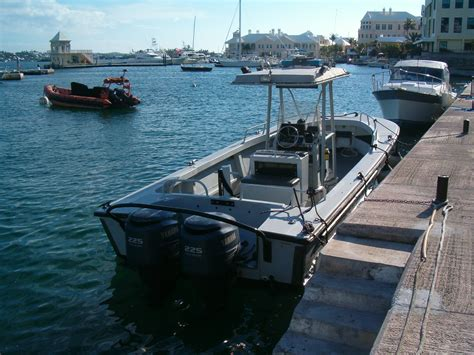 boston whaler police boats file bermuda police marine section boats jpg wikimedia