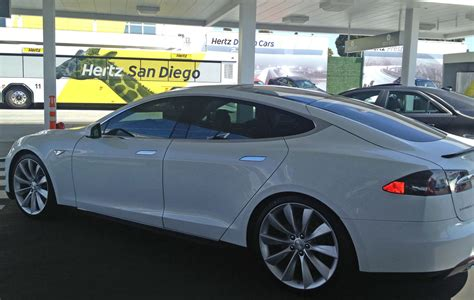 Renting Tesla Tesla Model S Rental Car At Hertz Dragtimes Drag