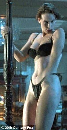 tytul film z jamie lee curtis jamie lee curtis shows she still in tip top shape at 51