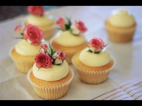 how to decorate cupcakes with flowers roses