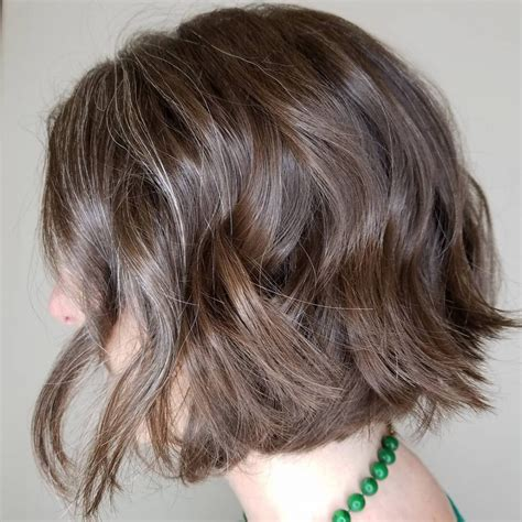 cutest chin length hairstyles trending