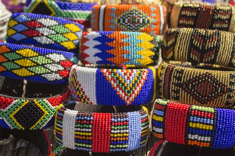 How & Where to Buy Souvenirs, Curios & African Art