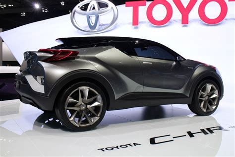 Auto L Hr by Toyota C Hr Small Suv To Debut At Geneva Motor Show