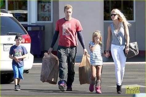 chris martin and gwyneth paltrow kids charlize theron dating ex husband of gwyneth paltrow she