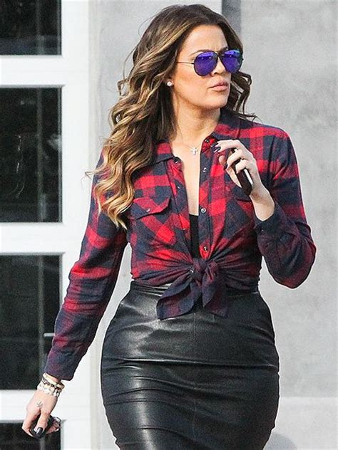 black celebrity t shirts 5 ways to wear the plaid shirt like a celebrity