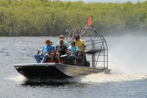 airboat speed airboat in full speed picture of c holly airboat