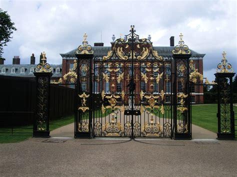 kensington palace on aboutbritain com image gallery kensington palace gates