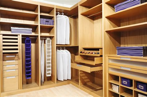 Build Out Closet by 29 Luxury Walk In Closet Designs Pictures