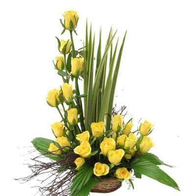 pix for gt yellow roses flower arrangements flower arrangements pinterest yellow roses
