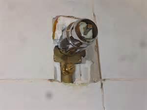 dusch amaturen duscharmatur unterputz ausbauen dusche armatur