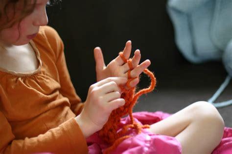 Enkindle Finger Knitting How To
