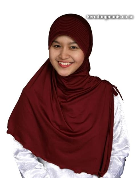wallpaper monyet cantik koleksi wallpapers cantik jilbab cantik merah marun