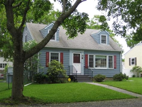 1950 style homes the cape cod house in cambridge and nearby centers and