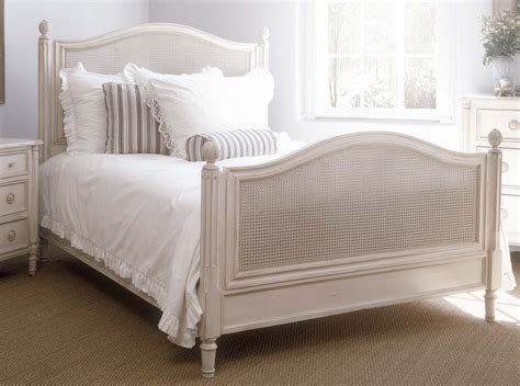 Isabella Bed And Bed