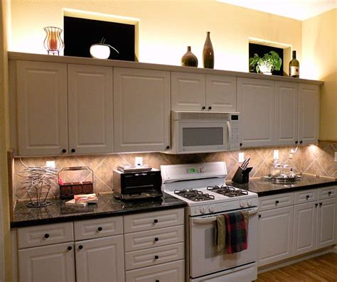 Continental Kitchen Cabinets by Above Cabinet Led Lighting Using Led Modules Diy Led