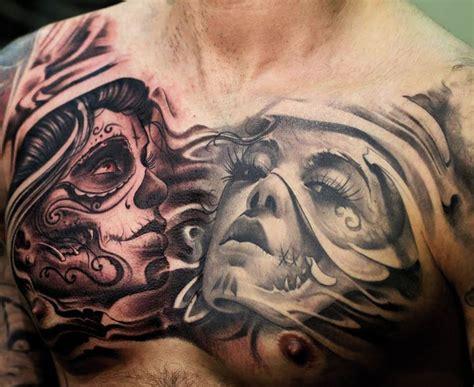 tatuaże z kobietami na klatce piersiowej