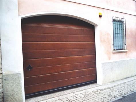 breda porte sezionali portone sezionale in legno breda wood line civic