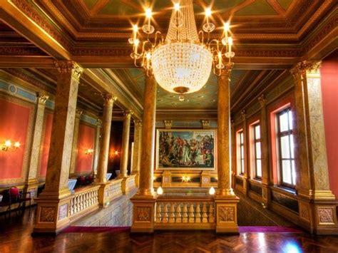 suche günstige stühle prachtvolle historische location in wiesbaden mieten