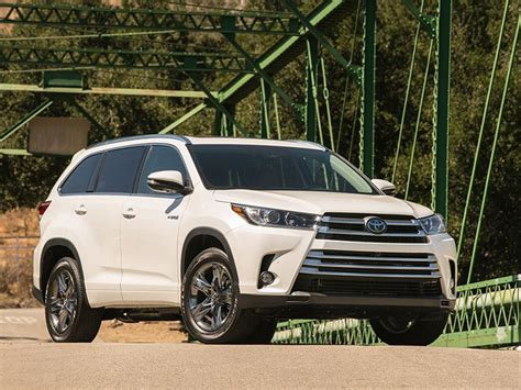 10 new and redesigned 3 row suvs for 2017 autobytel