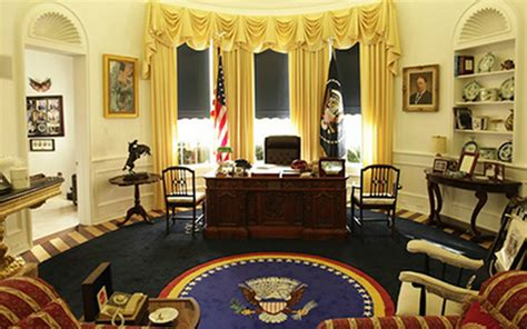 trump oval office redecoration trump reinstalls churchill bust obama removed