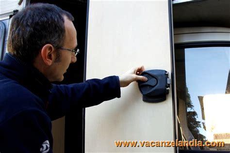 sostituzione serratura porta riparazioni sostituzione serratura porta cer