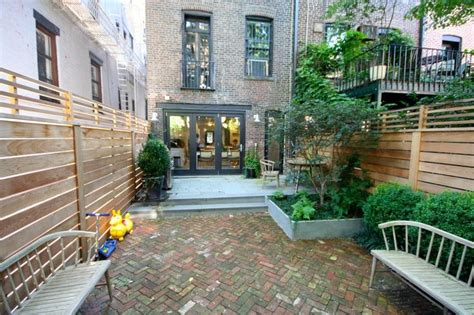 backyard nyc 17 best images about brownstone townhouse on pinterest
