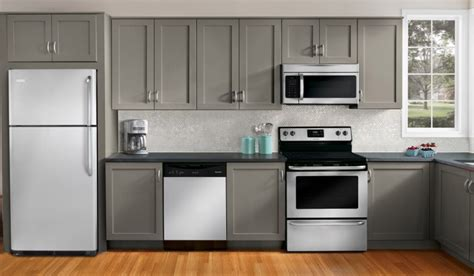 White Appliance Kitchen Ideas The Feeling Of Gray Kitchen Cabinets Island Idea Family Spaces Kitchen Appliance