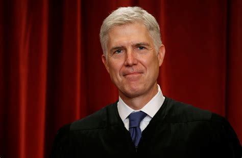 neil gorsuch official photo us supreme court judge neil gorsuch does not share