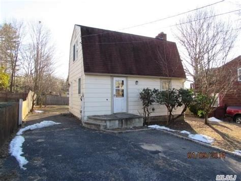 houses for sale in huntington ny huntington new york reo homes foreclosures in huntington new york search for reo