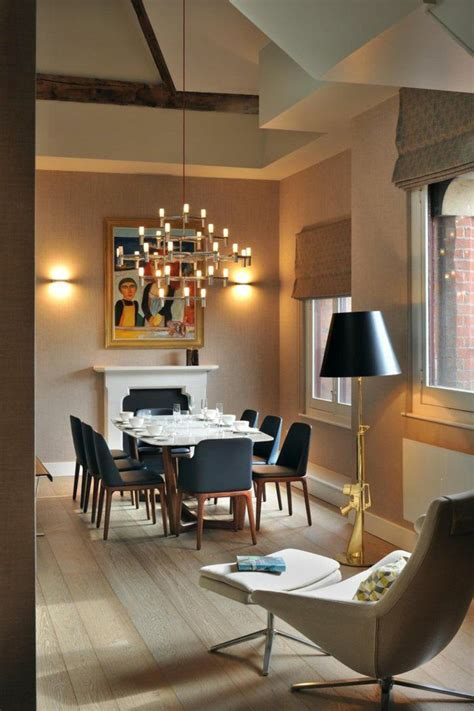 esszimmer einrichten ideen schwarze st 252 hle kamin gem 228 lde - Dining Room Ideen
