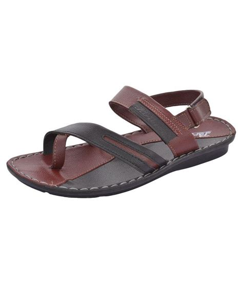 paragon sandals paragon brown sandals price in india buy paragon brown