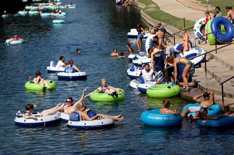 smaller tubing crowds   rivers san antonio express news