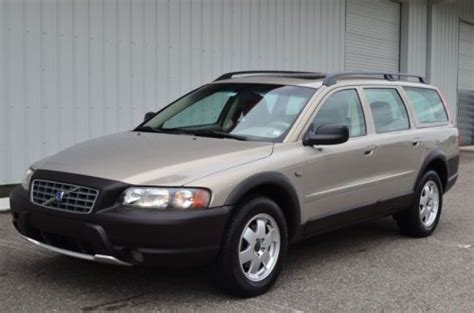 purchase   volvo  xc cross country wagon awd   clean carfax  reserve