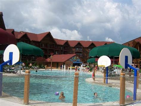 great pool outdoor pool at great wolf lodge picture of great wolf