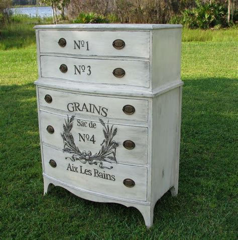 painted furniture shabby chic 25 best ideas about painted furniture on